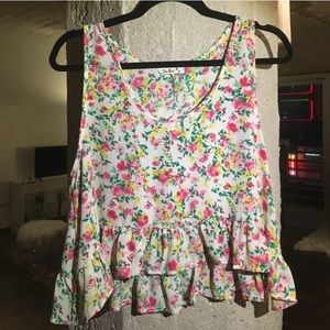 Gorgeous floral cropped frilled blouse!